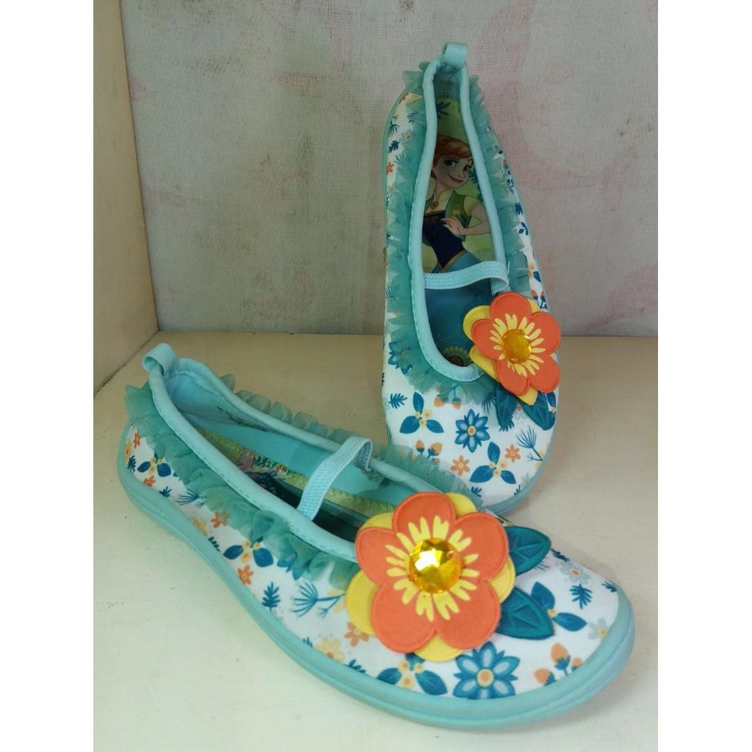 Authentic Disney Store Frozen Girls beach shoes size 1