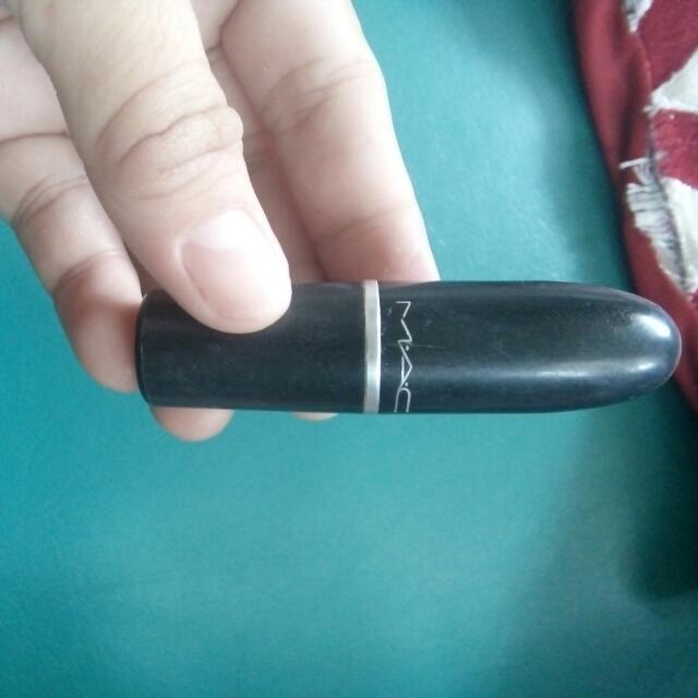 AUTHENTIC MAC LIPSTICK