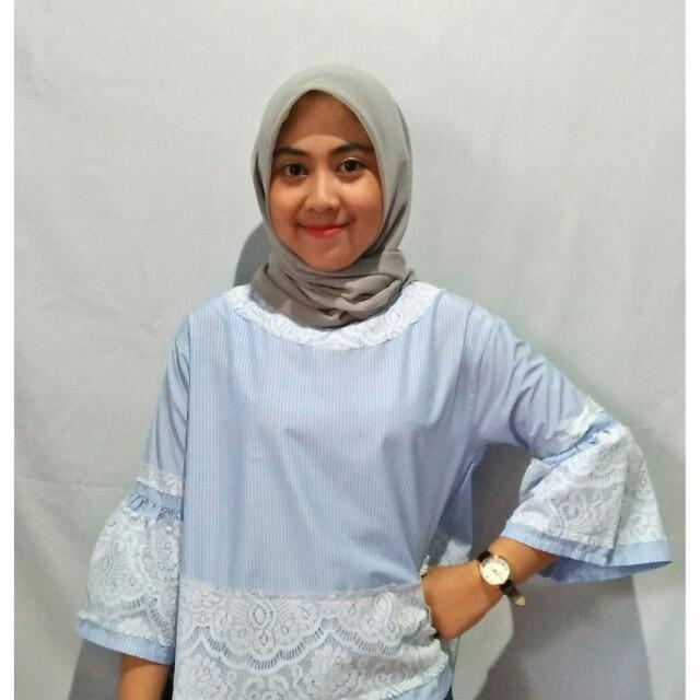 Baju Atasan Wanita Blouse Renda Brokat Line Garis Biru Putih 9acbba3058