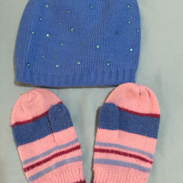 Bonnet and mittens