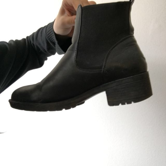 Chelsea boots *REDUCED PRICE*