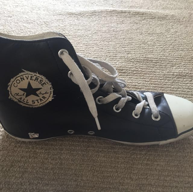 Converse leather black and white