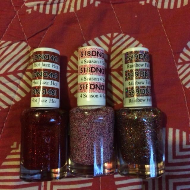 DND nail polish