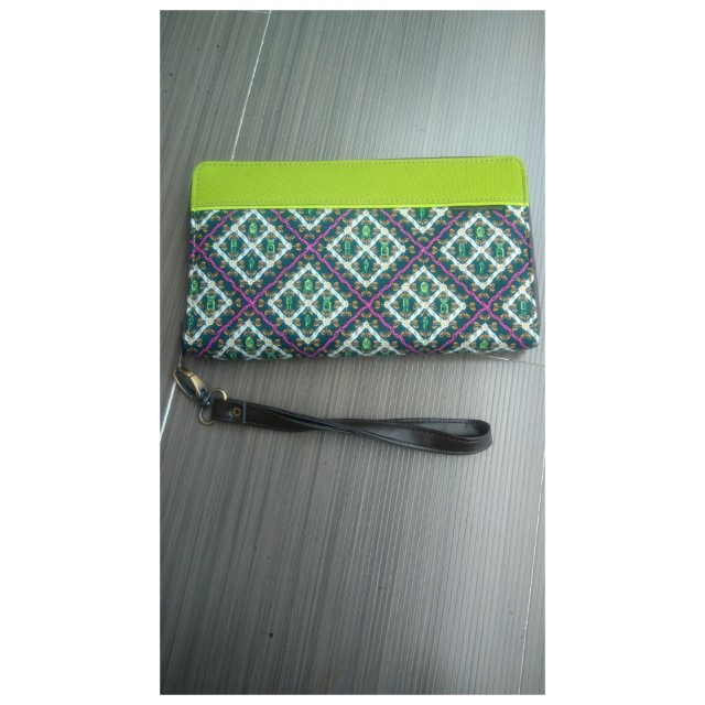 Dompet organizer batik