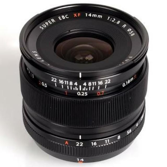 Fuji 14mm 2.8 brand new