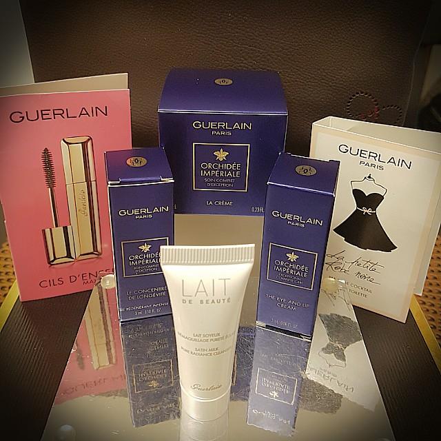 GUERLAIN 7 piece luxury skincare sampler bag