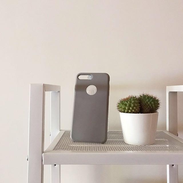 Iphone7 plus(5.5吋) 磨砂手機殼(裸灰色)