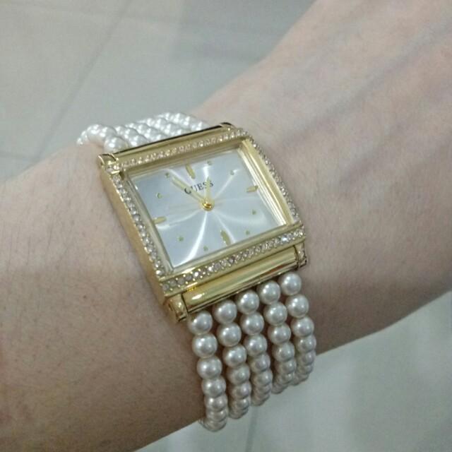Jam tangan Guess rantai mutiara
