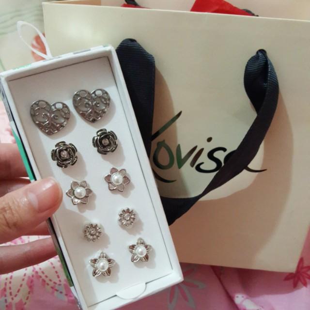 Lovisa earrings set