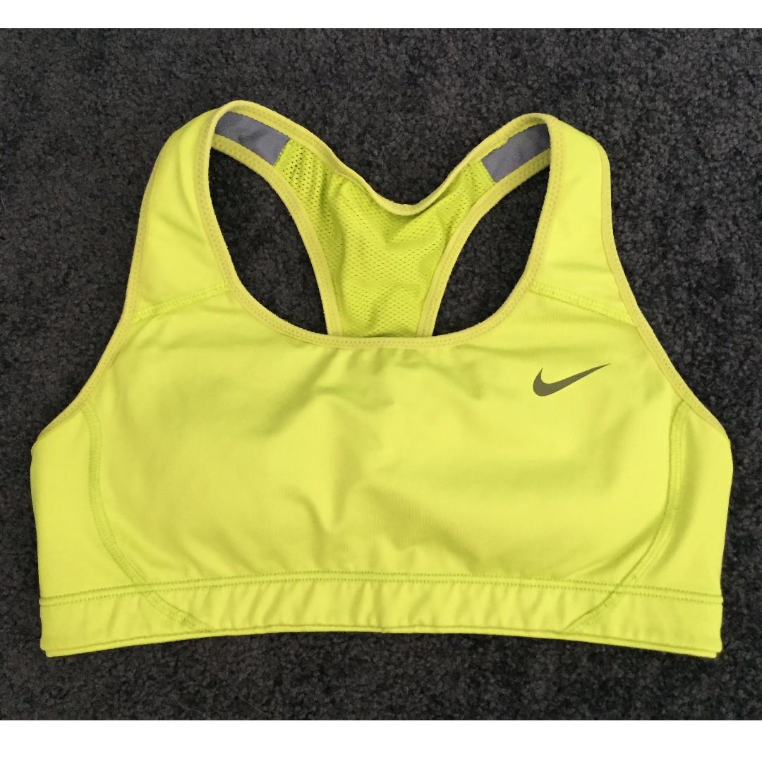 Nike sports bra green size S