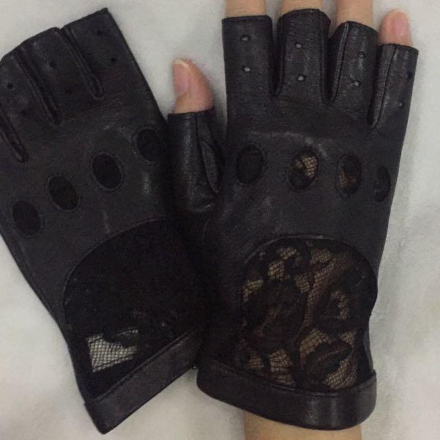 Nina ricci gloves leather