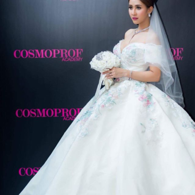 Package wedding gown and makeup bridal, Lifestyle Services, Beauty ...