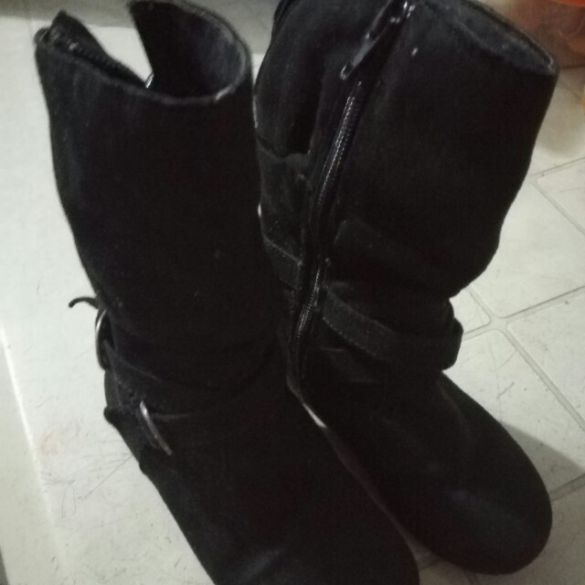 PAYLESS black boots for kids