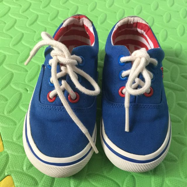 preloved kid sneakers
