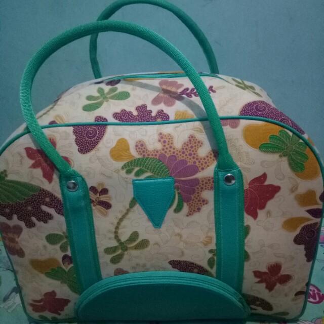 Preloved travel bag