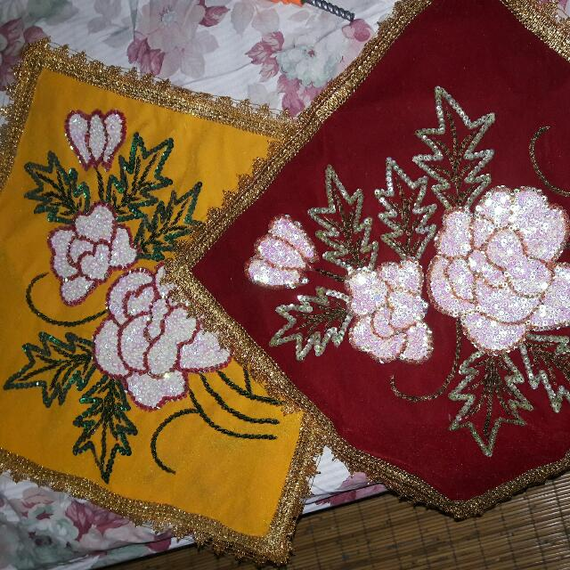 Sarung Bantal Payet Handmade