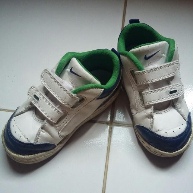 sepatu anak NIKE ORIGINAL size 26