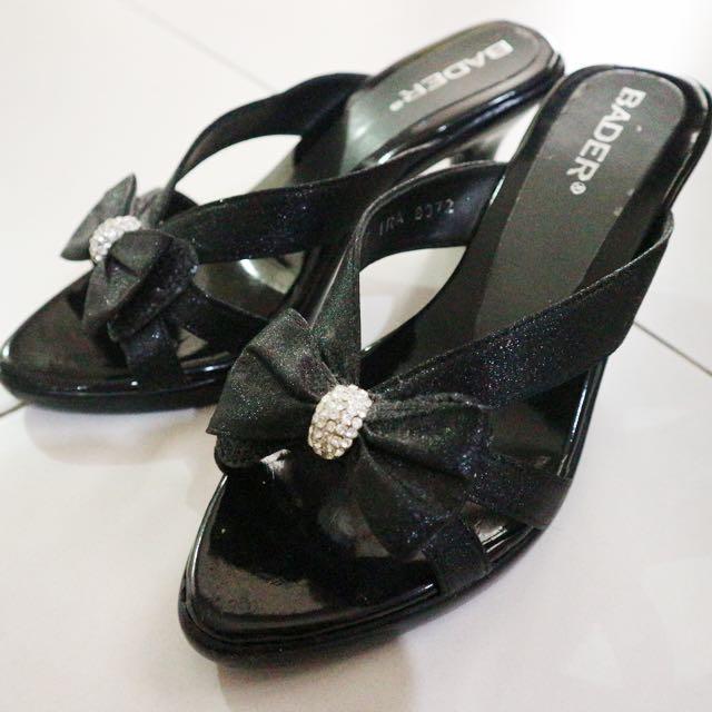 Sepatu Pesta Hitam Pita