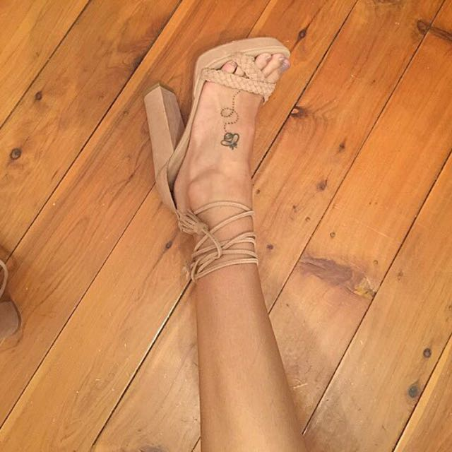 Tan/nude strappy heels - size 6