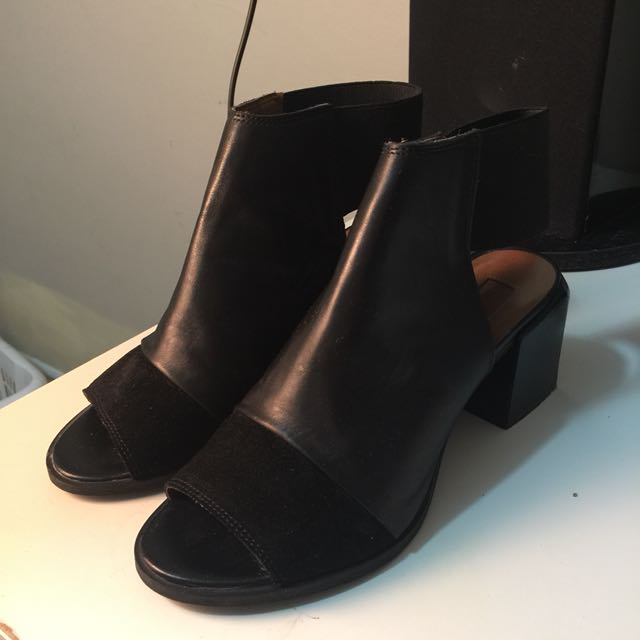 TOPSHOP open-toed shoes