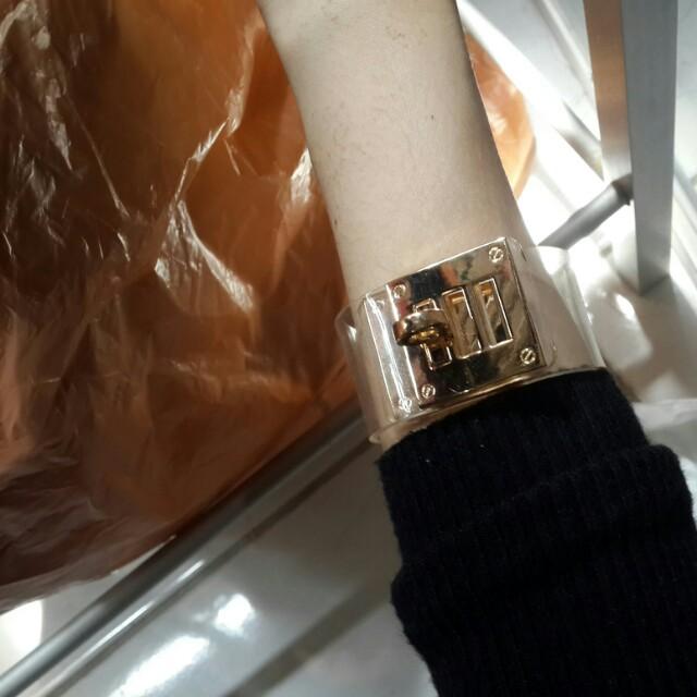 transparent with gold (gelang)