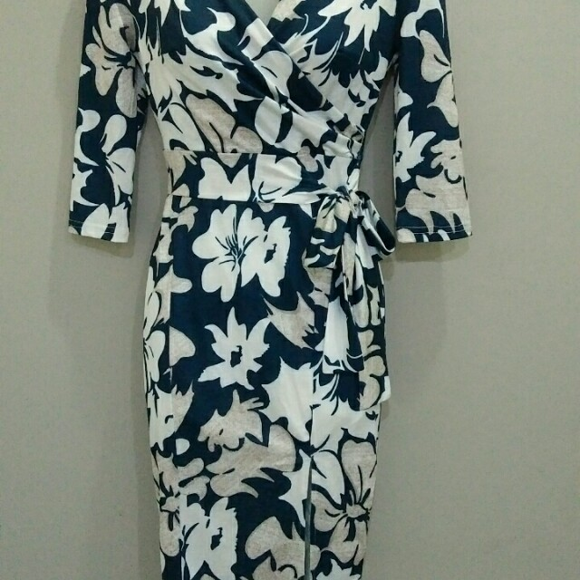 Wrap dress (medium)