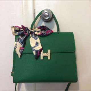GREEN TOP HANDLE BAG WITH SCARF
