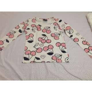 Cherries pull-over/sweater
