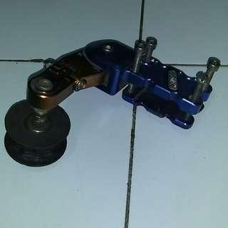 Chain Tensioner .condition 8/10.masih baik.getah roller pun ok lagi.wasap 0133495882