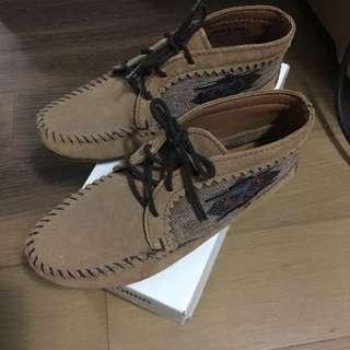 minnetonka 莫卡辛 淺棕色 印地安麂皮女鞋