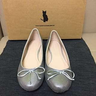 🚚 貓咪曬月亮平底鞋(亮銀)