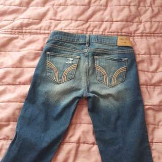 New with out tags Hollister jeans got excited ripped off tags but when tried on they were too small size 1 low rise medium wash with 3 rips