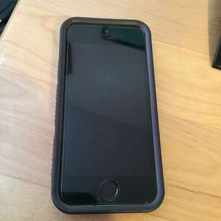 iPhone 5s with case (like New)