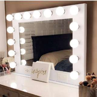 NEW IN BOX - HOLLYWOOD MIRROR WITH USB PORTS, DIMMER ETC - WHITE