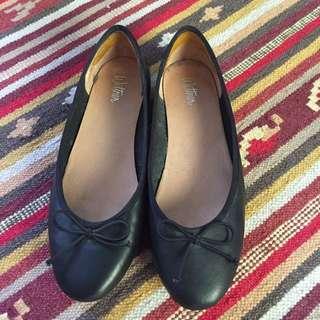 Wittner black ballet flats size 40