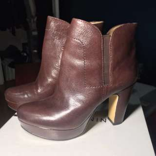 Nine West Pump booties - wine coloured (photo discolours it)