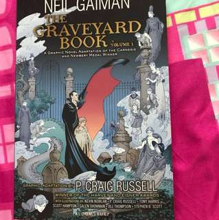 The Graveyard Book Vol 1 - Graphic Novel