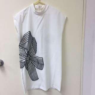 白色連身裙刺繡
