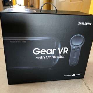 Samsung Gear VR with Cobtroller
