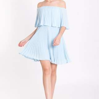 Off shoulder flare dress (light blue)