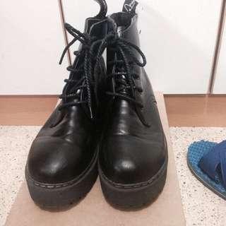 降💦復古厚底馬丁靴