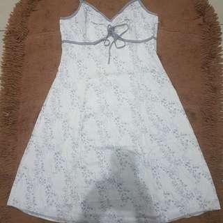 ESPRIT dress warna putih.