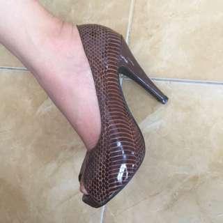 Heels Motif ular