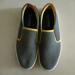 Sepatu Sneakers Pria Casual santeve