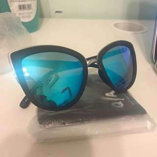 Black/Blue 'My Girl' Quay Sunglasses
