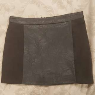 Mini Black Skirt XS