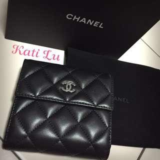 Chanel 香奈兒 羊皮短夾 (黑)