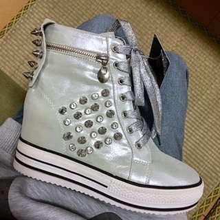 🚚 Alain delon 銀色卯釘-羊皮馬靴