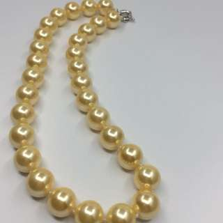 18mm Golden Shell Pearl Necklace