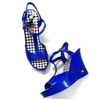 Brand new H blue sandals 10